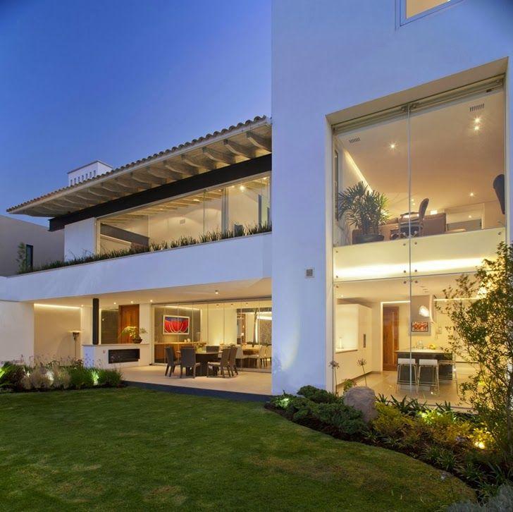 Contemporary Casa Río Hondo With Stylish Interiors