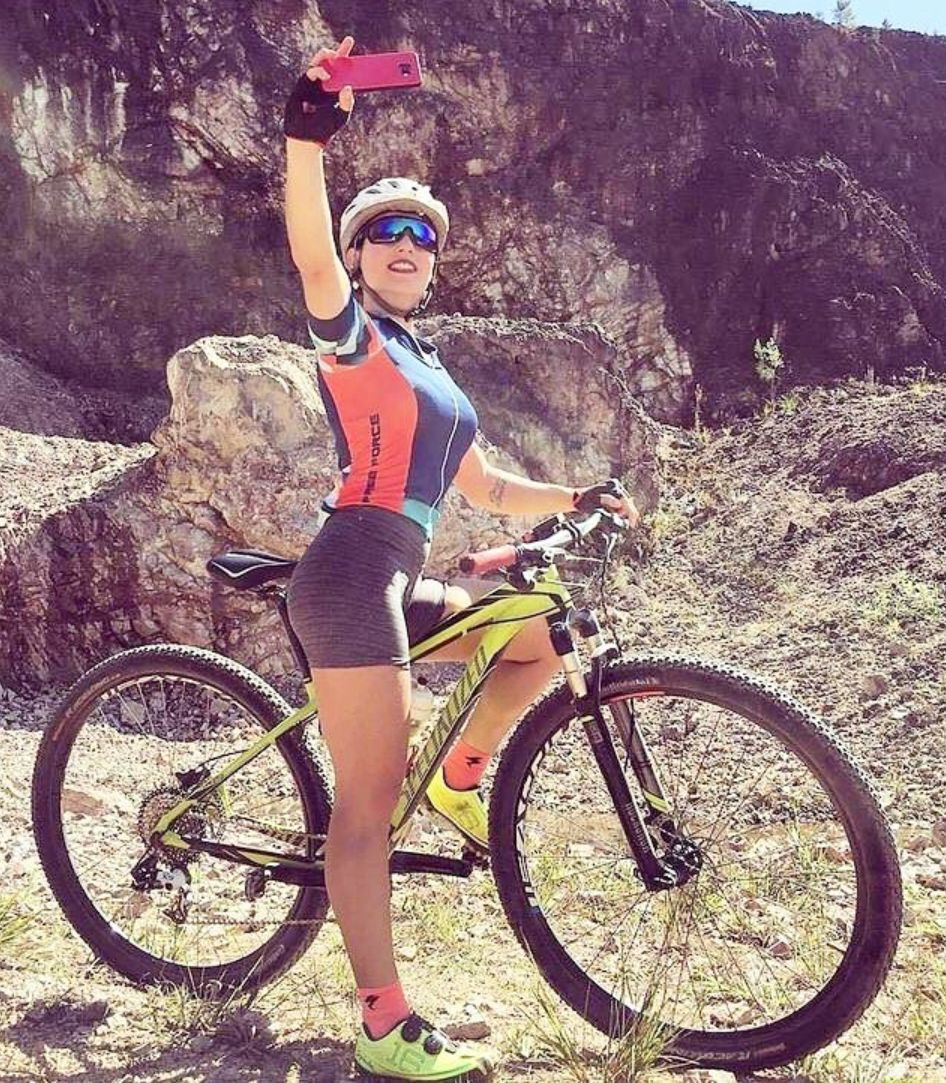 Pin By Juan Gutierrez On Mountain Biking Cycling Girls Female
