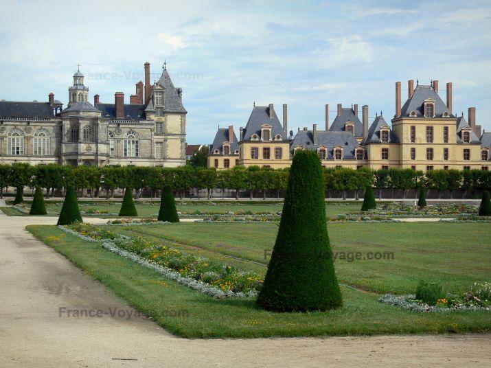 Jardins Du Chateau De Fontainebleau Grand Parterre Jardin A La