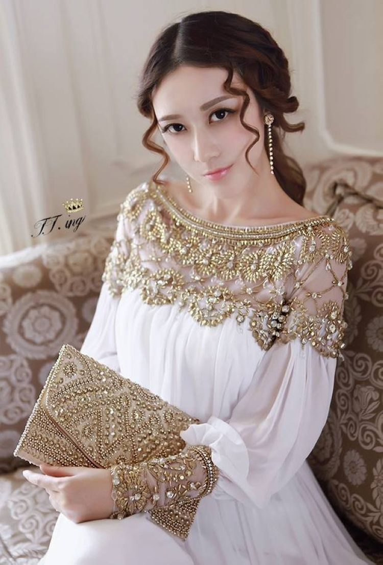 3b00da5b5c Find More Information about High quality 2015 women Vintage royal beading  chiffon Lantern long sleeve pleated dress ,High Quality chiffon wedding  dress ...