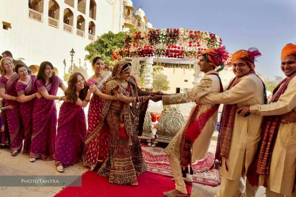Lovely Shot Indian Wedding Games Indian Wedding Couple Photography Wedding Photography India