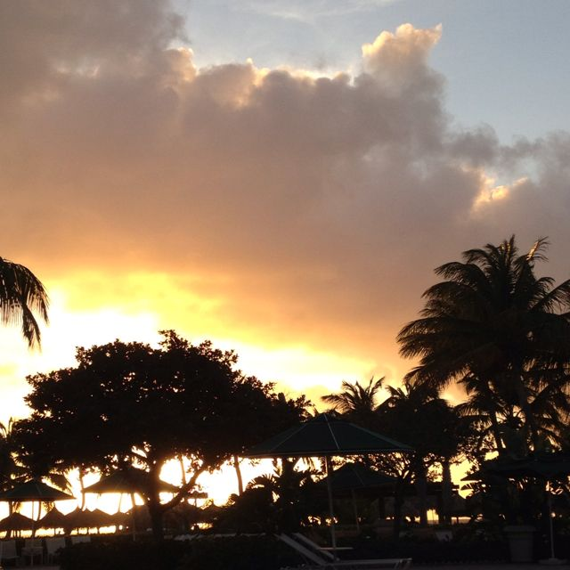 Aruba Sunset.....not bad to look at!