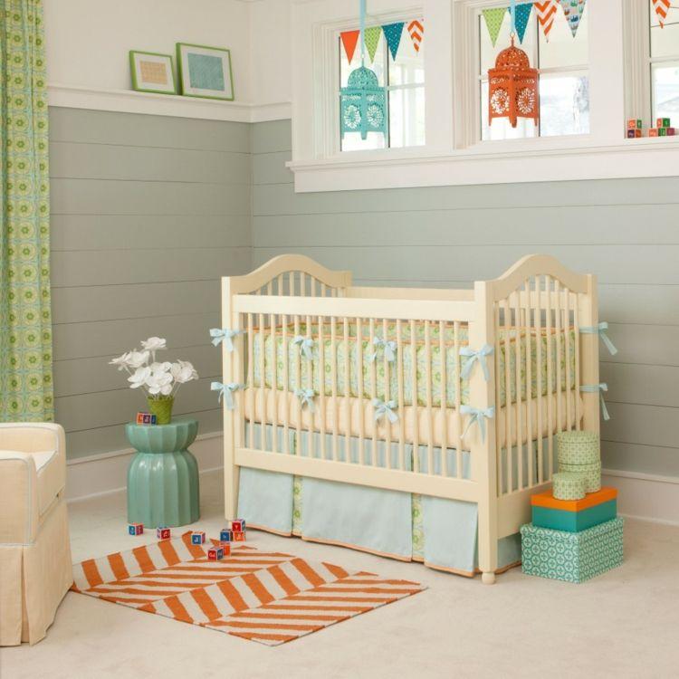 Neutrales Babyzimmer Mint Grau Grün Orange Farbenfroh Babybett Wimpelketten  Laternen