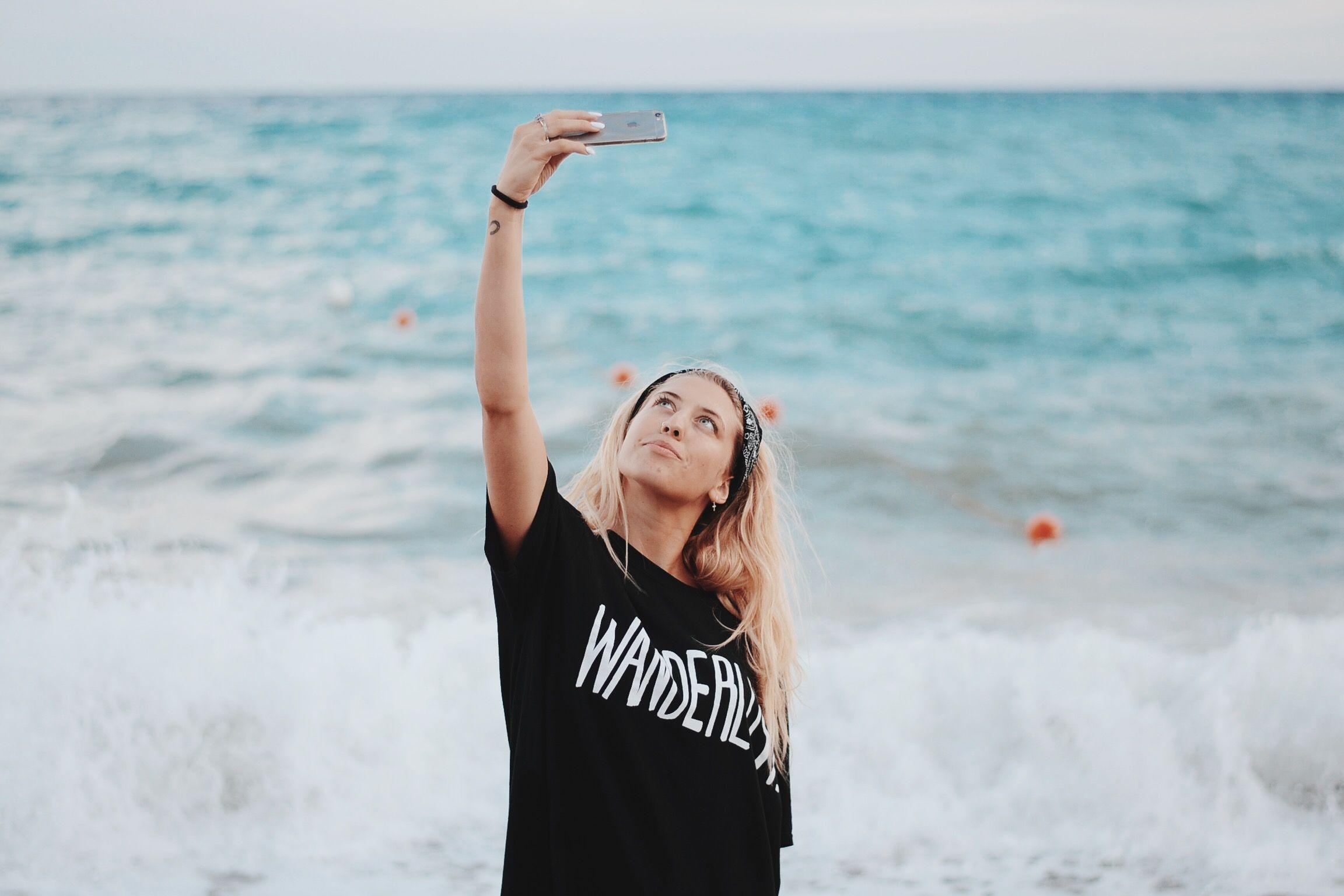 www.losh.it www.instagram.com/loshgram #chiaralosh #blonde #girl #summer #beach #bikini #model #fashion #noperfect #fitnessmodel #fitness #body #outfit #selfie