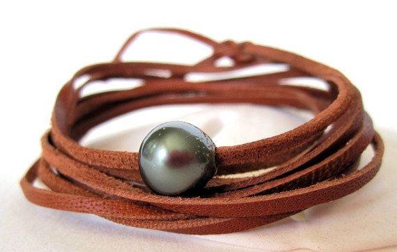 Pulsera de perlas tahitiana wrap pulsera por keyLimeGiraffedesign