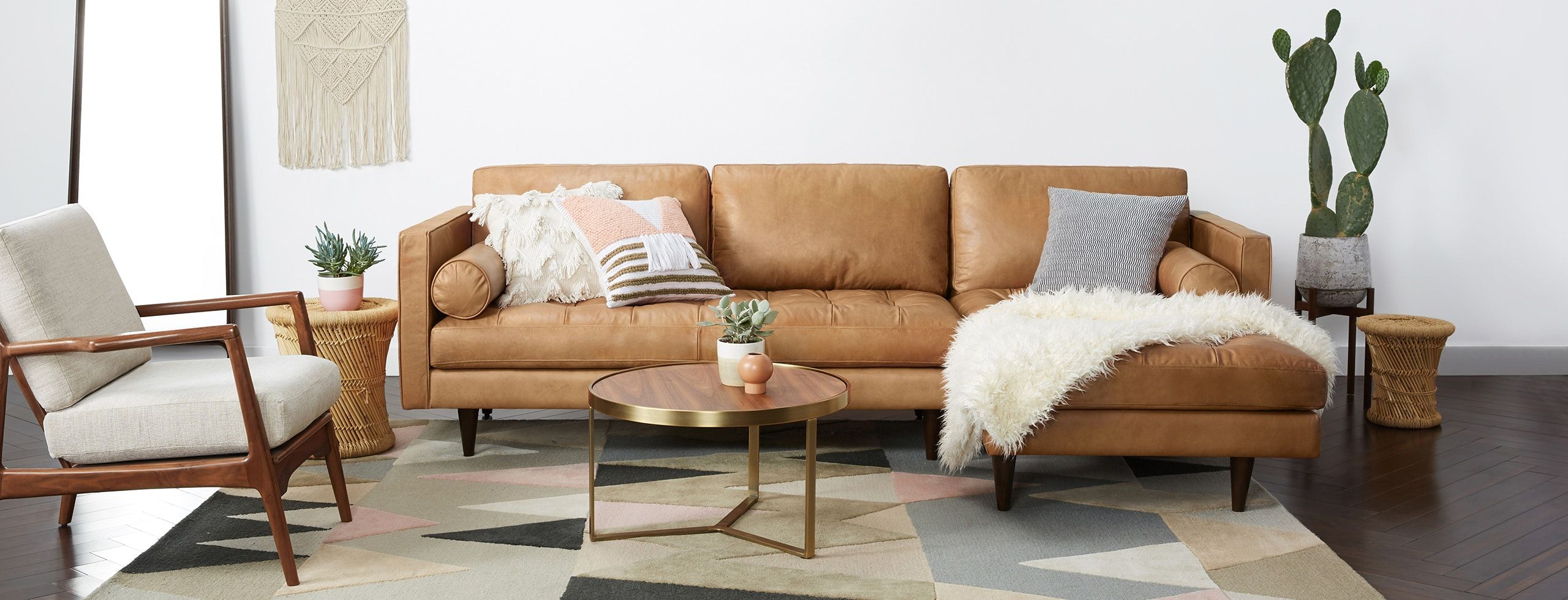Briar Leather Sectional Small Apartment Living Room Layout