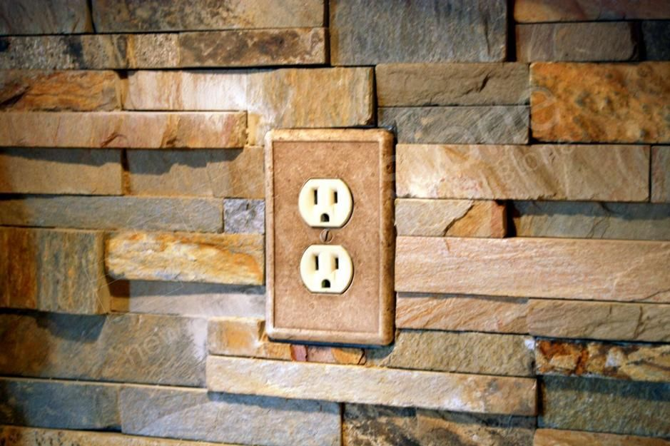 Outlets With Brick Kitchens In 2019 Stacked Stone