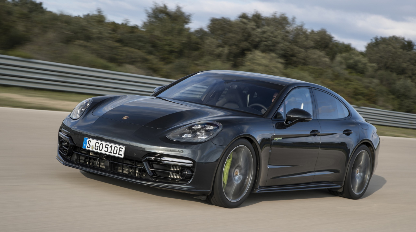 Porsche Panamera Turbo 2018 Black Wallpapers HD