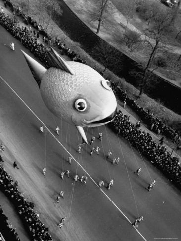 Looking Down Onto Fish Balloon And Crowds Lining Street During Macy S Thanksgiving Day Parade Photographic Print John Phillips Art Com In 2020 Macy S Thanksgiving Day Parade Macy S Thanksgiving Day Parade
