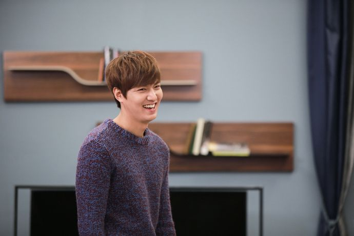 """Heirs"""": The Cast Makes Memories Behind The Scenes 