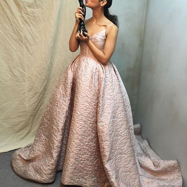 Winning woman.  Filmfare best actress Alia Bhatt shines in an Atelier Prabal Gurung abstract floral ashes of rose silk matelassé gown.  Styled by @stylebyami.  #pgworld #pgmuse #pgredcarpet #femininitywithabite #modernglamour #beautywithsubstance #aliabhatt #filmfareawards