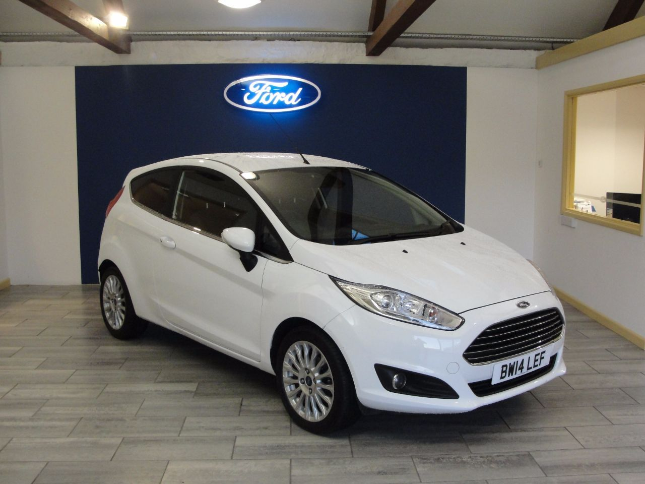 Ford Fiesta 1 0 Ecoboost Titanium 3dr Hatchback Petrol White Ford Used Ford Ford Fiesta