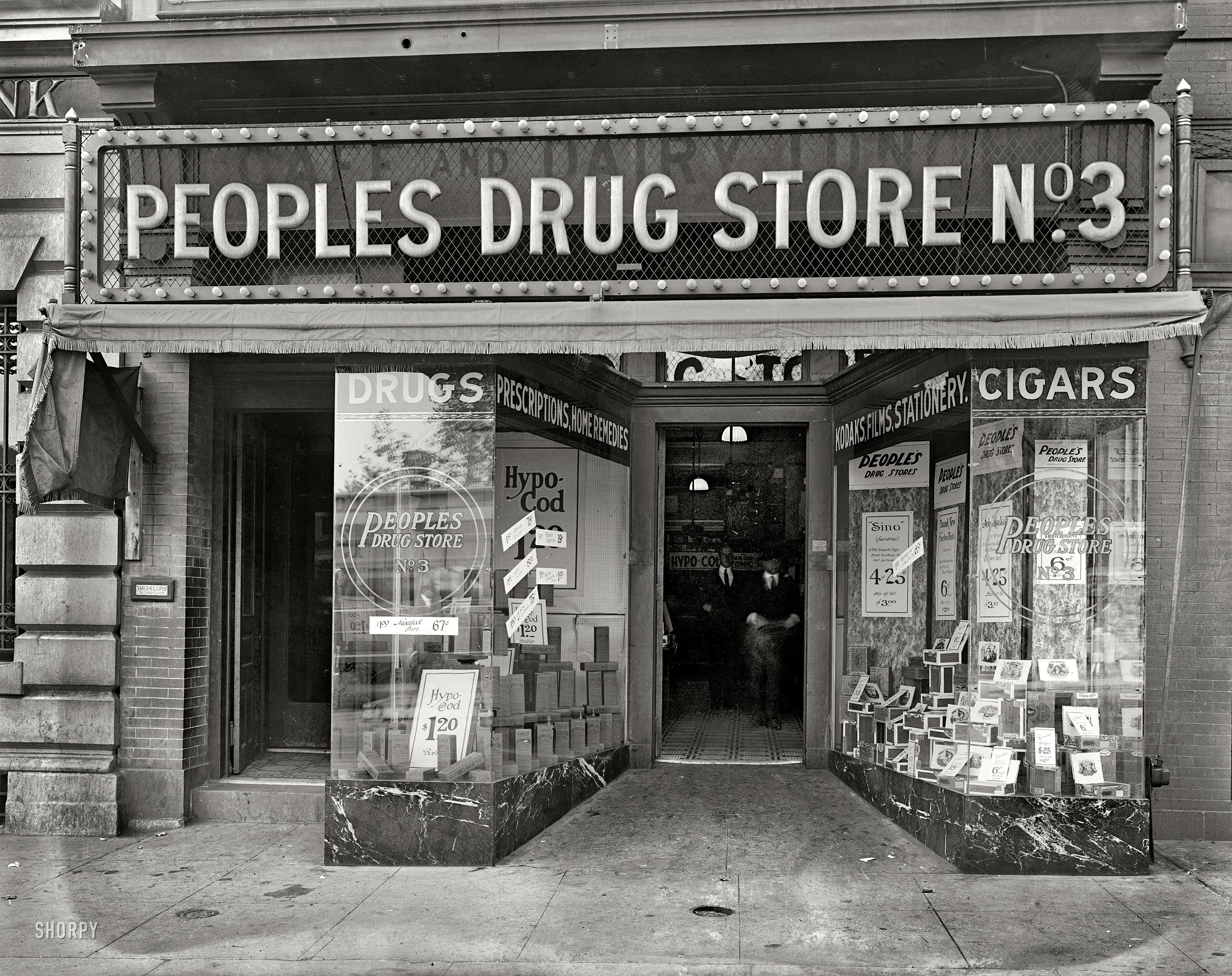 Omg 900th Post People S Drug In The 1920s Drug Store