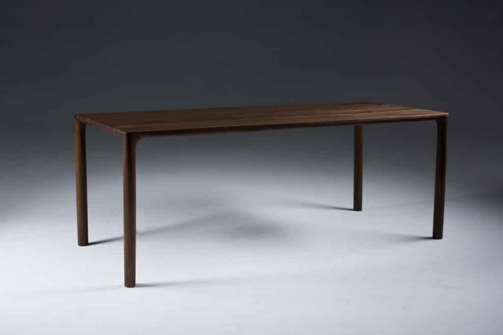 Artisan Tisch Jean Designermobel Von Raum Form Nurnberg Mobel Im Onlineshop Von Design Kist In 2020 Solid Wood Furniture Design Dining Table Chairs 60s Furniture