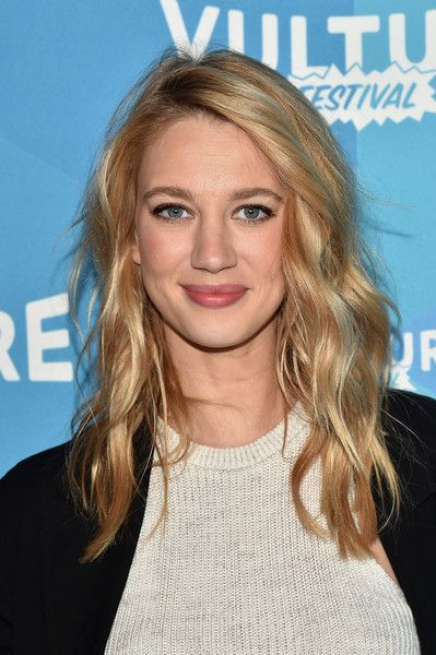 Yael Grobglas Photos Photos - Actress Yael Grobglas attends the Jane The Virgin panel discussion at the 2017 Vulture Festival at Milk Studios on May 20, 2017 in New York City. - Vulture Festival - Milk Studios, Day 1