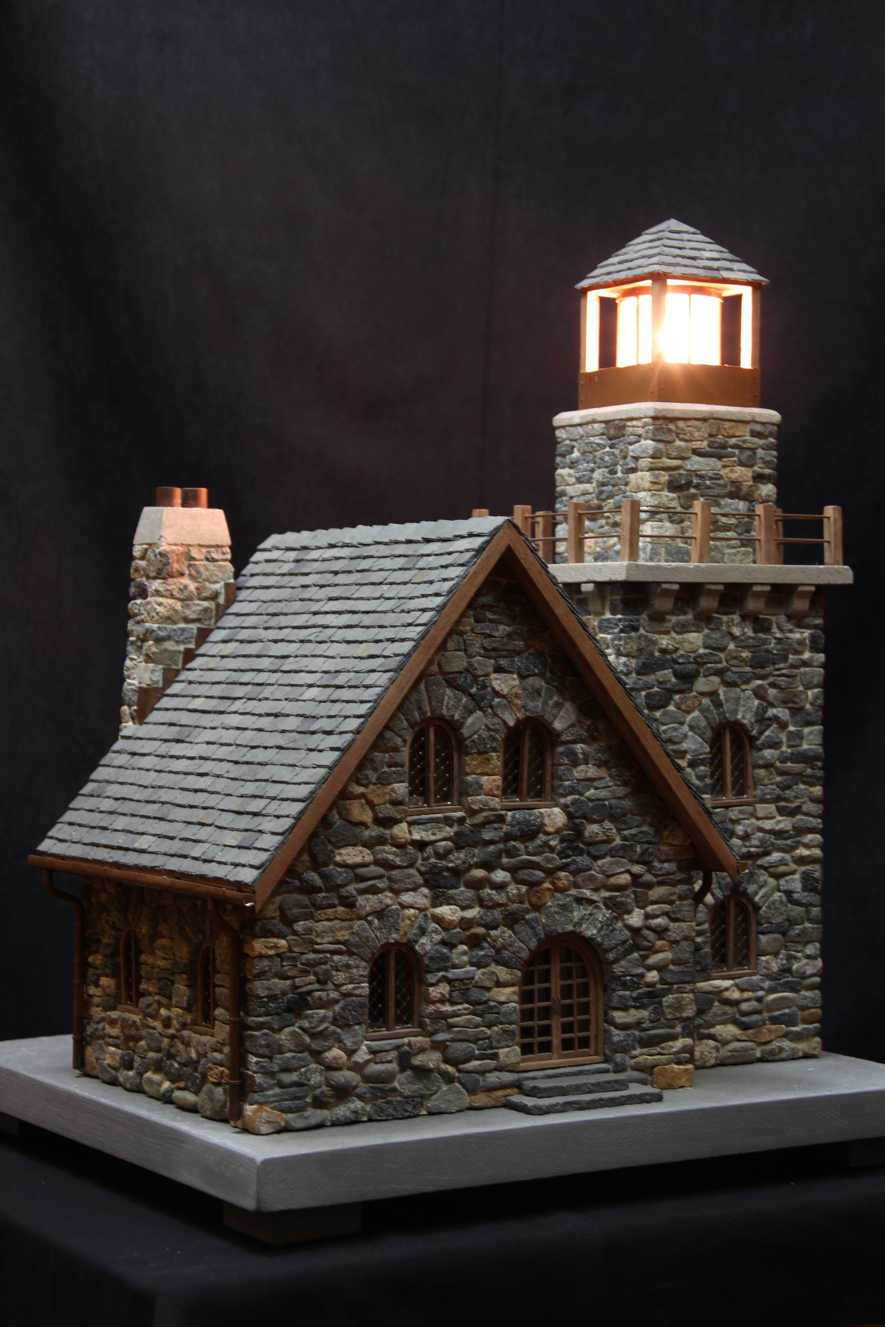 Cottage lighthouse lamp 3 colors - Stone Lighthouse