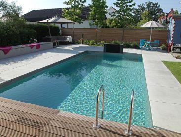 Bio Pool In Deutschland Mit Originellem Badehaus