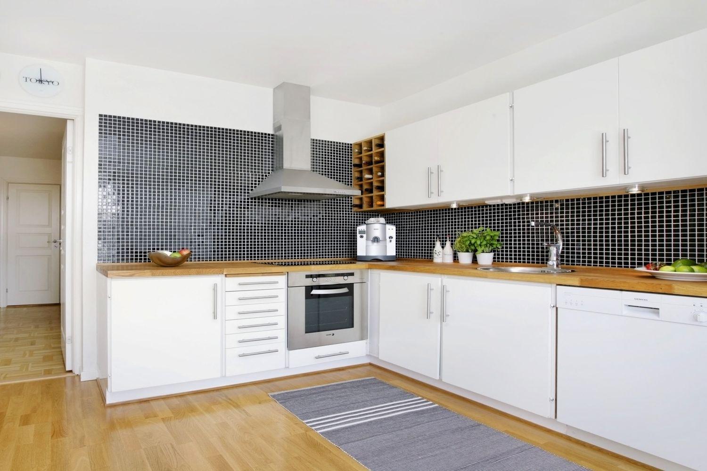 Dywan W Kuchni Jaki Dywan Wybrac Do Kuchni Learning From Hollywood Kitchen Kitchen Cabinets Home Decor