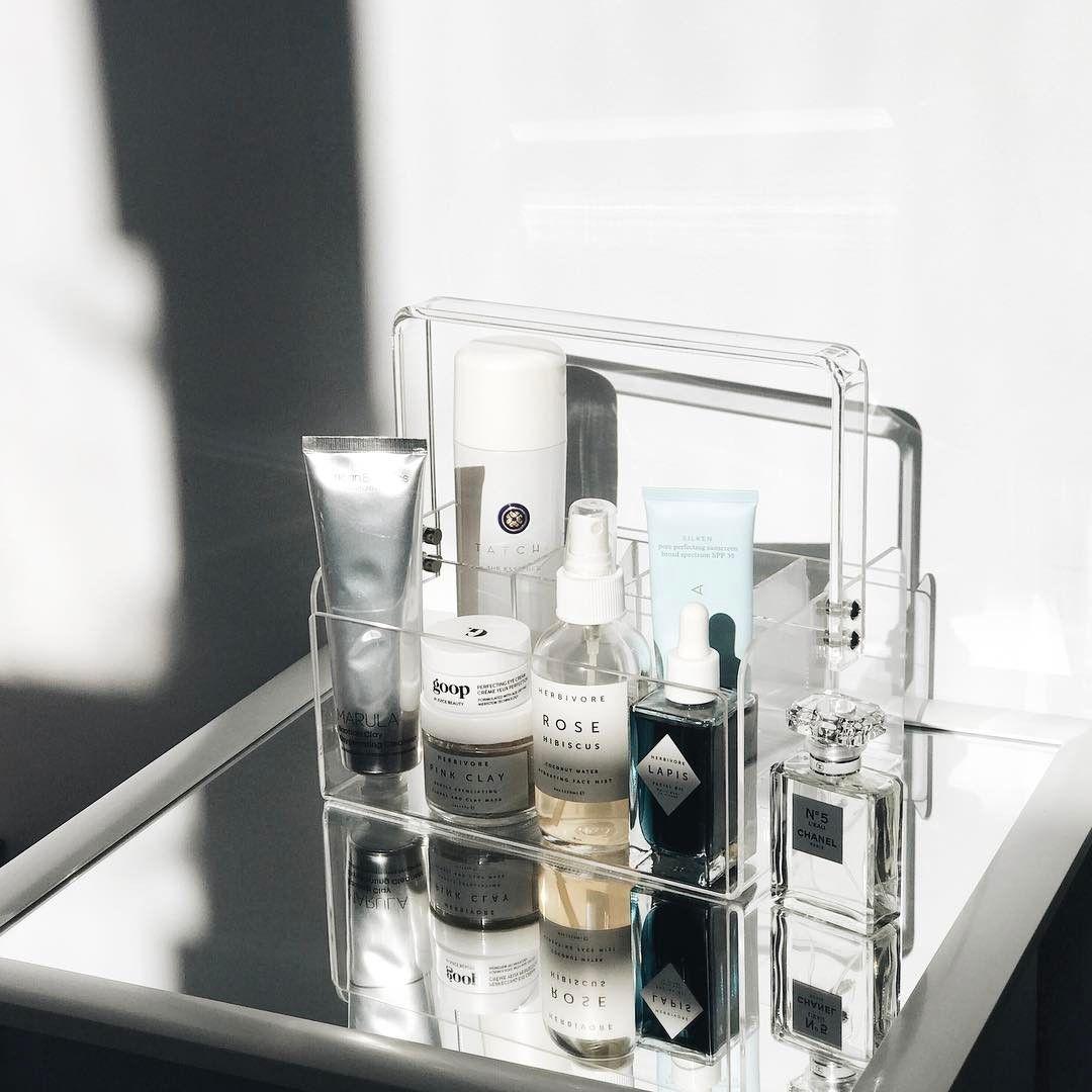 Présentoir à produits de beauté en lucite (avec images