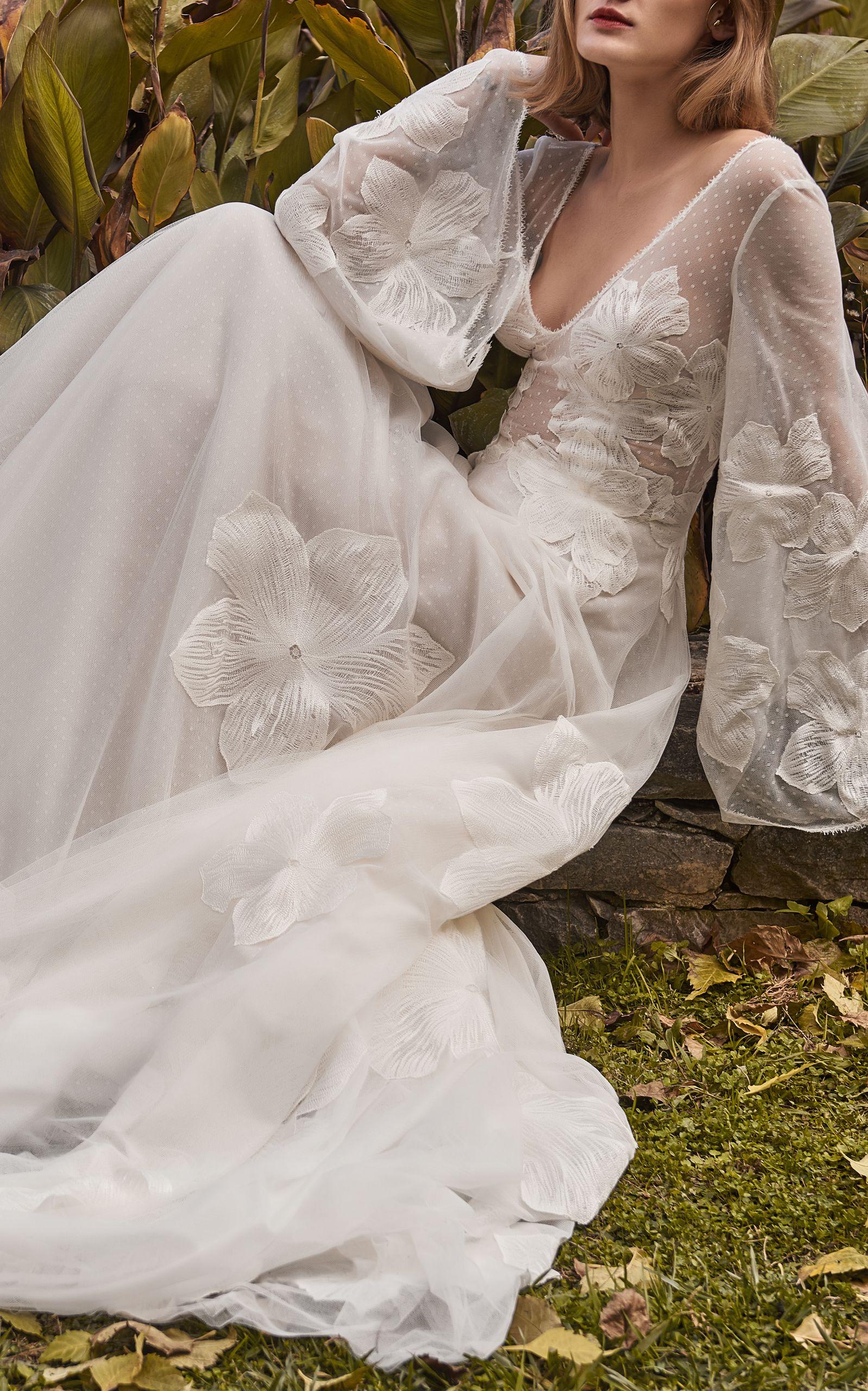 Embroidered Lace Ethereal Gown, White | Braut, Brautkleid und Stil