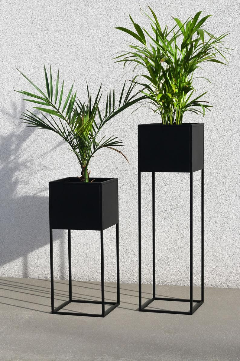 Planter with stand Mississippi - Black