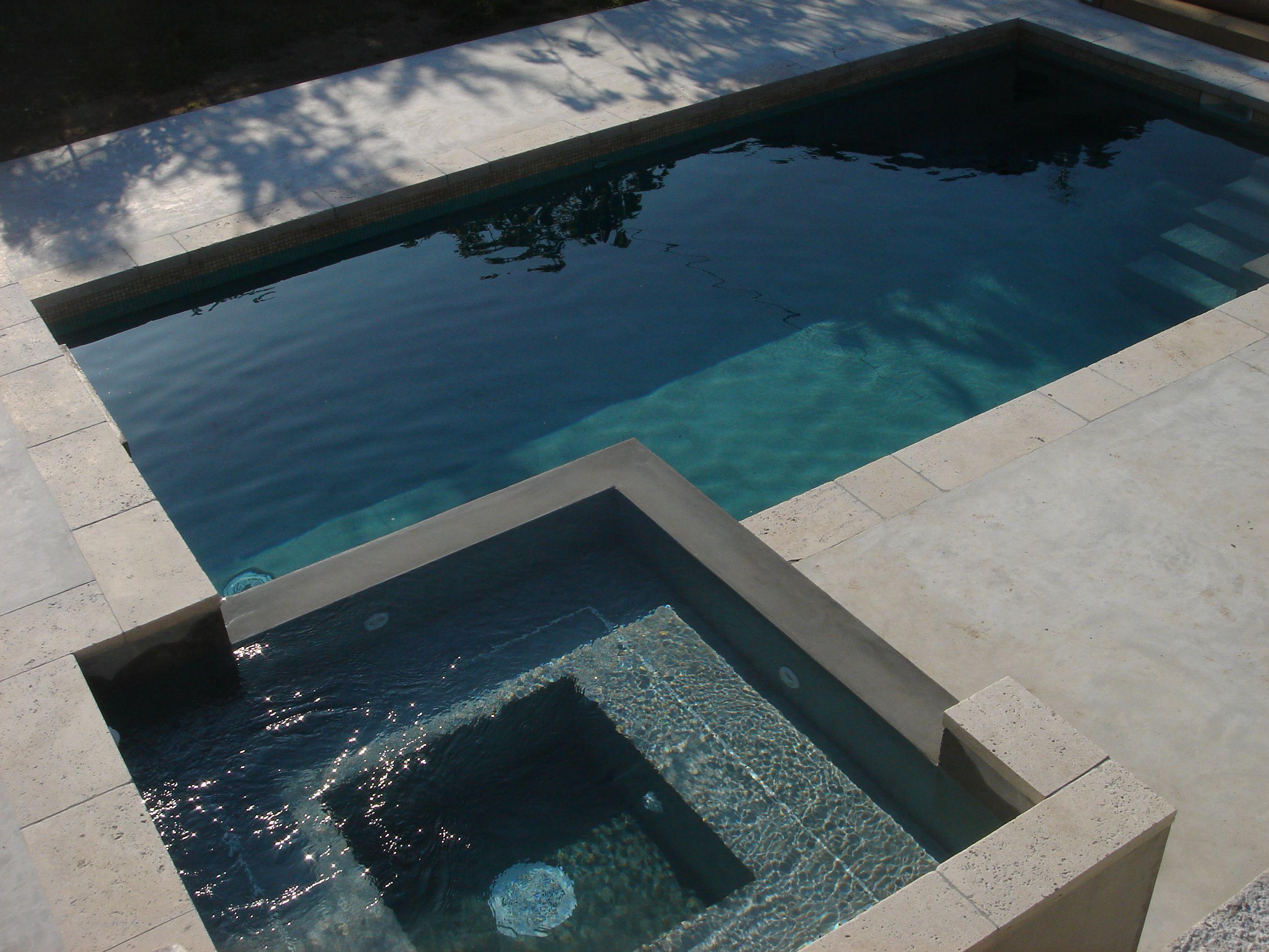 Piscine Moderne En Beton Avec Son Spa A Debordement Piscines