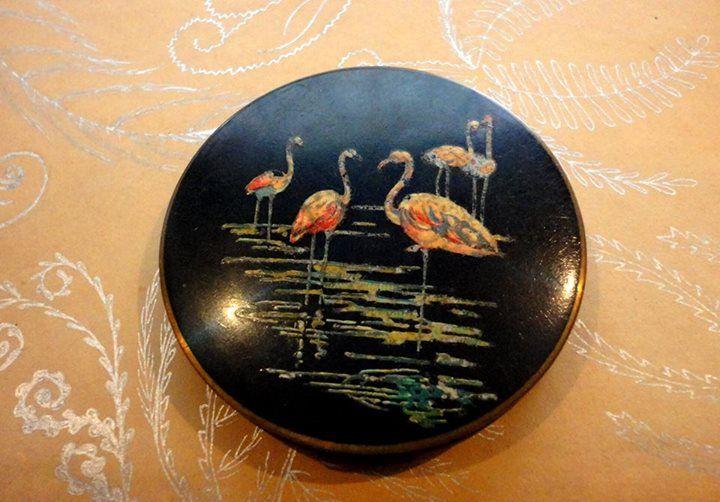 Espejo pintado a mano s/.35 Disponible aquí: https://www.facebook.com/thevintageclubperu