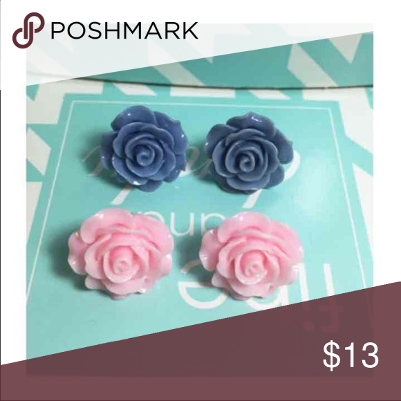 2 pairs earrings, Rose stud earrings set These beautiful rose resin ear stud earrings it perfect for teens, adult wear everyday . It goes with any outfit, or as gift etc.  you getting 2 pairs earrings  HAND GLUE ITEMS  Color: see as photos  Size :Front 20mm approx in diameter            Back 15mm approx in diameter  (The photos are enlarged to show detail.  Please refer to the measurement for the actual size.)  pet and smoke FREE house  Any question convo me please  I will negotiate or…