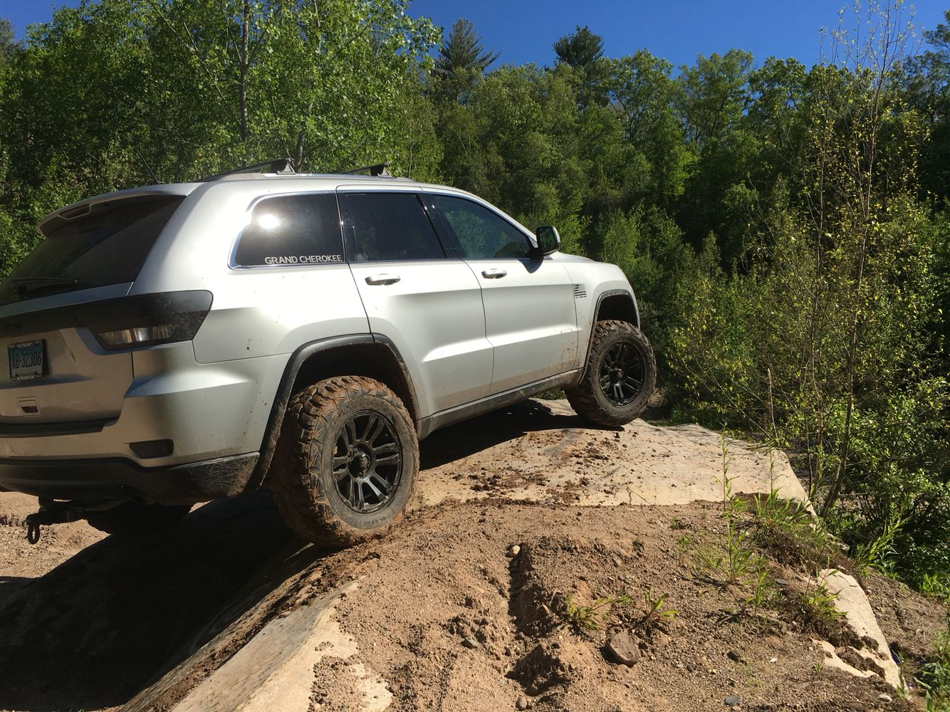 wk2 lifted off road grand cherokee pinterest jeeps. Black Bedroom Furniture Sets. Home Design Ideas