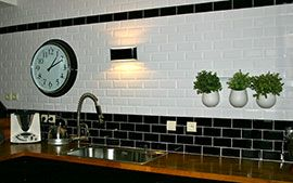 Credence Bicolore En Carrelage Metro Credence Cuisine Deco Bistrot Cuisine Bistro