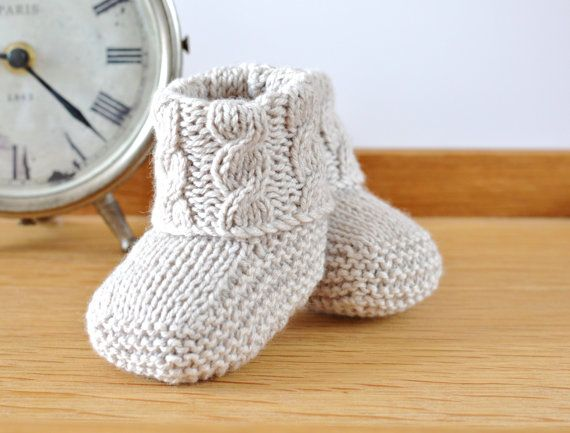 Aran tejer patrón patucos Cable bebé zapatos de por matildasmeadow ...