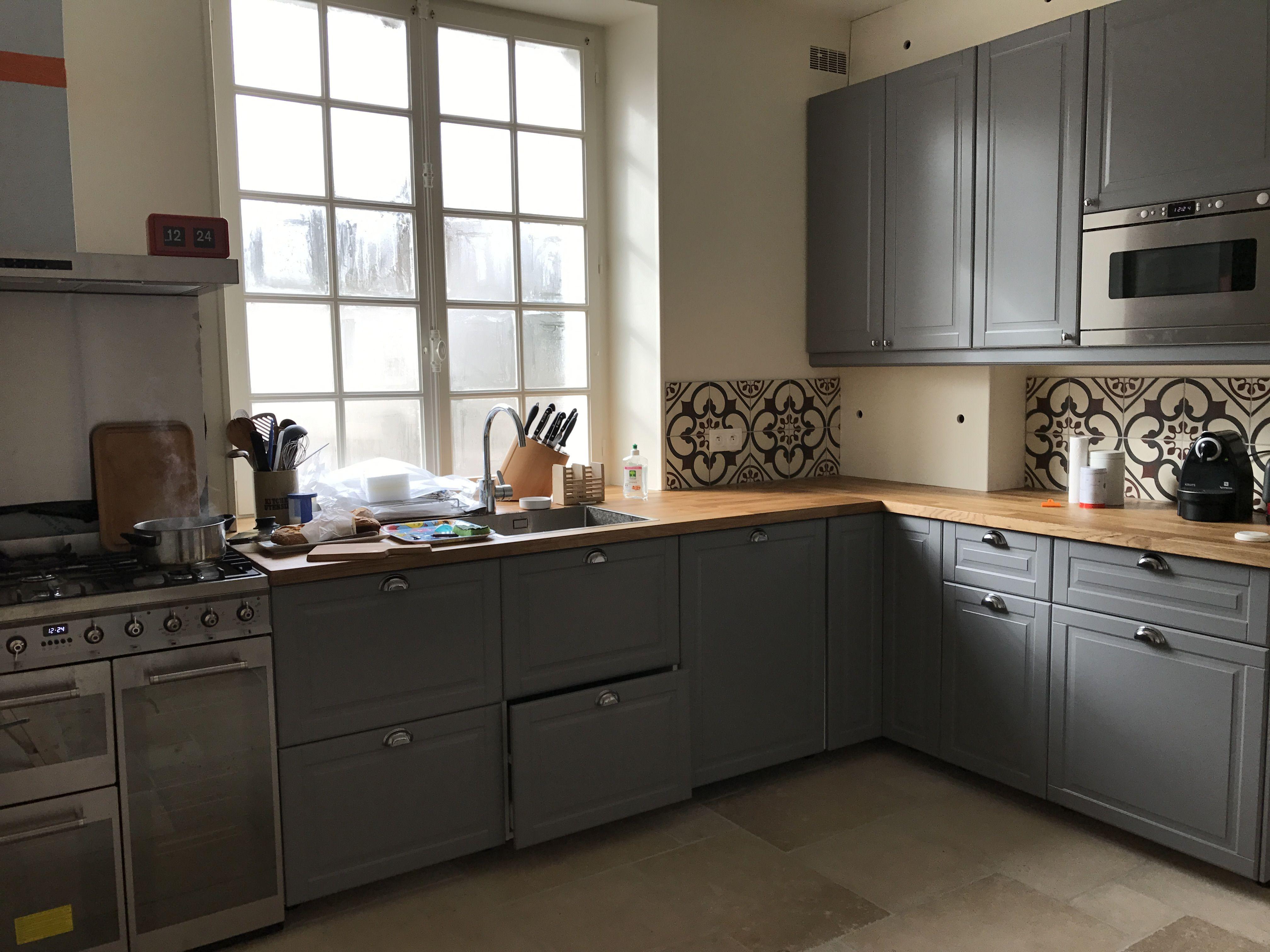 cuisine grise bodbyn ikea piano de cuisson smeg interi r. Black Bedroom Furniture Sets. Home Design Ideas