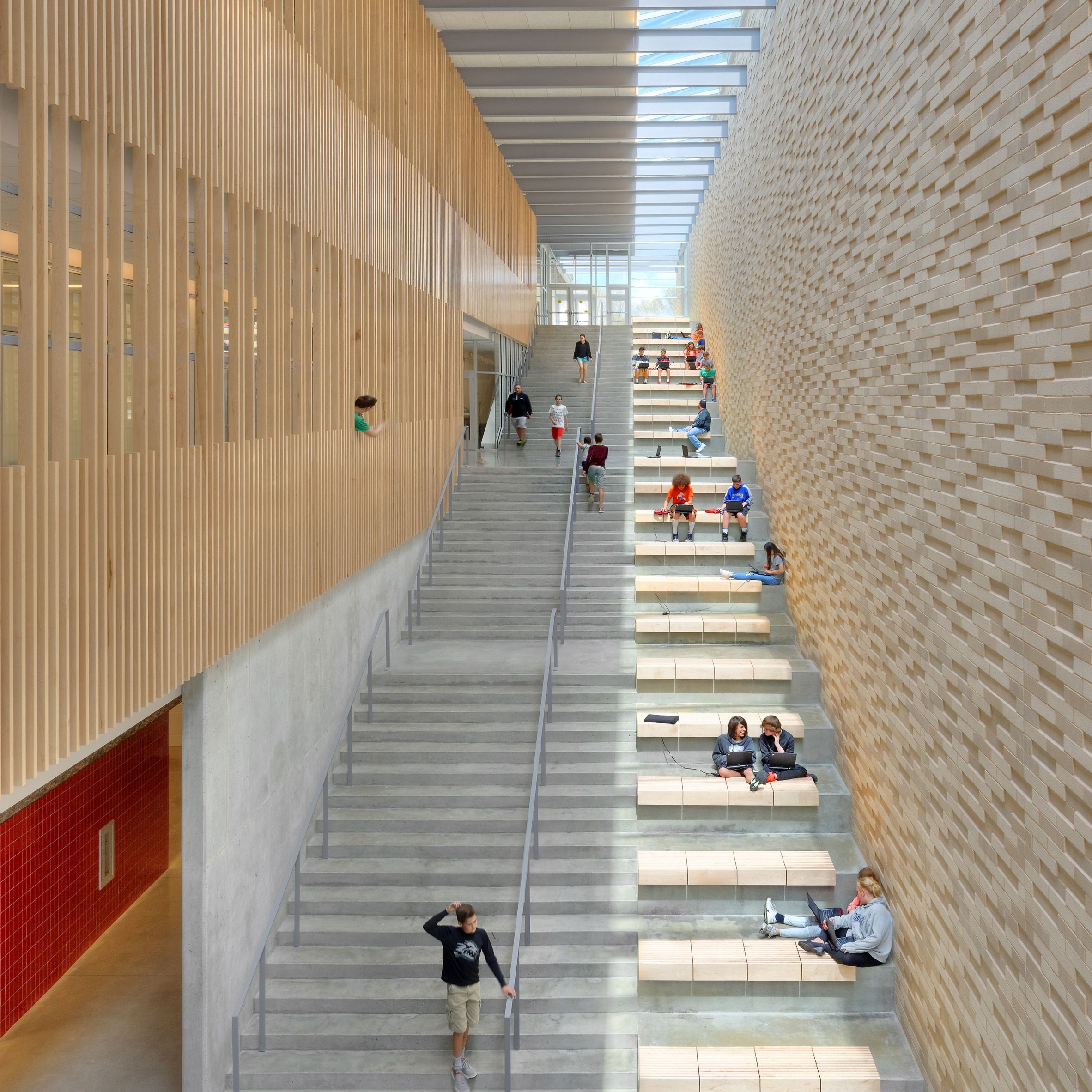 Best Reeds Spring Middle School Interior Corridor Staircase 400 x 300