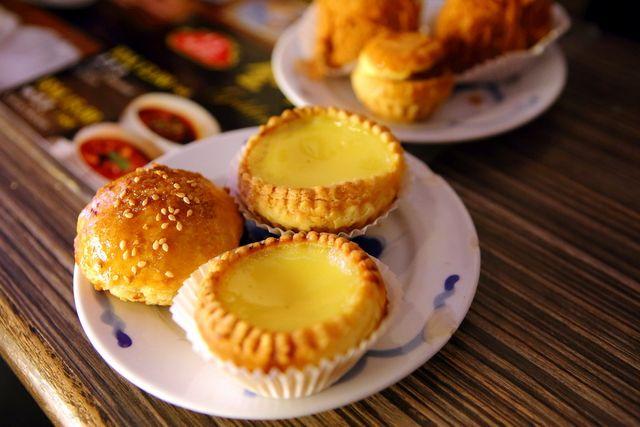 egg tarts and baked bbq pork bun at penang bakery!
