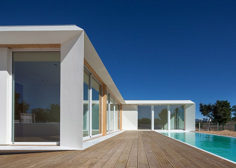 Mima house in alentejo is a prefabricated portuguese home for Prefab beach homes