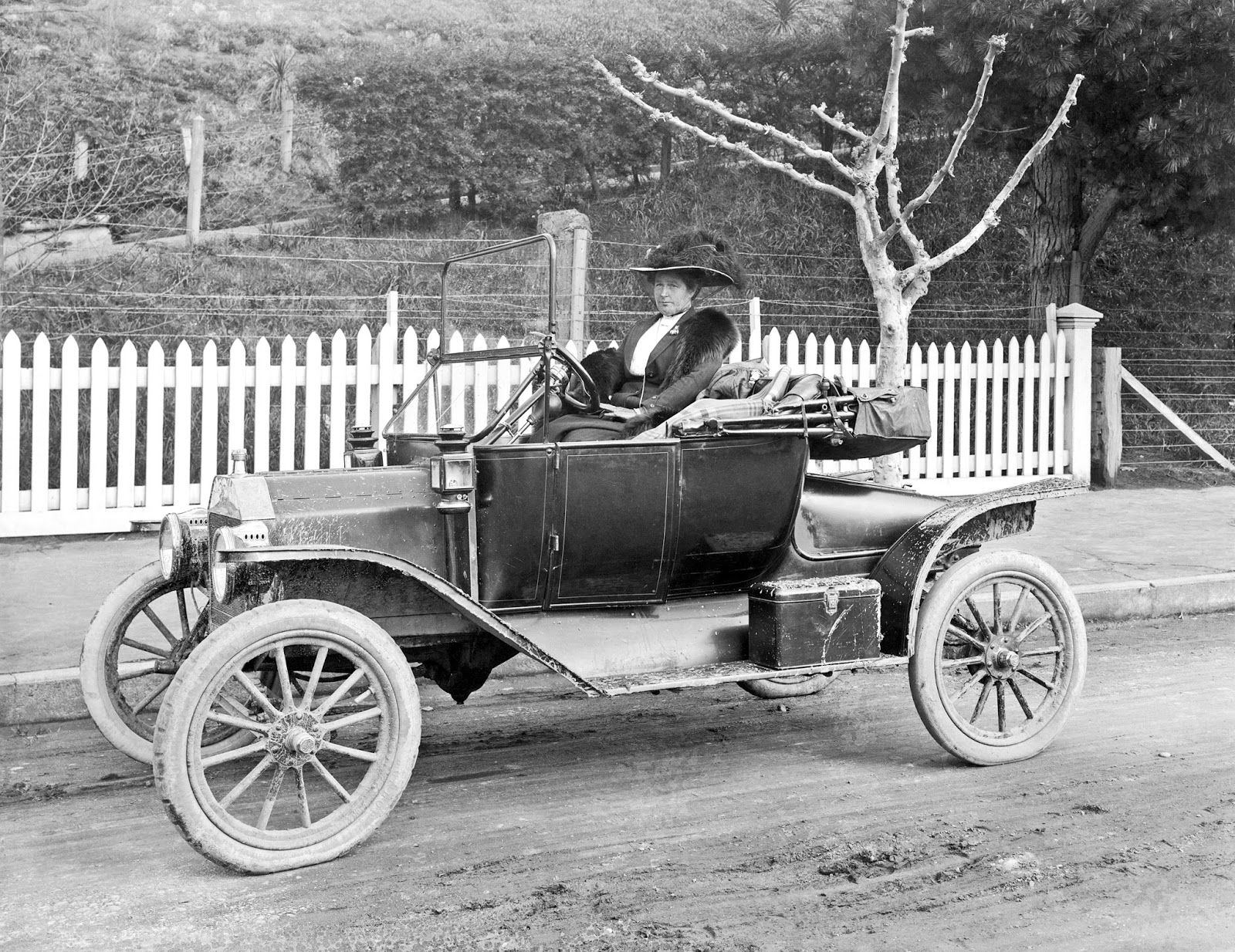 Frank Denton Woman In A Model T Ford Runabout Ca 1913 Courtesy Alexander Turnbull Library Wellington Nz Ford Models Ford Model T