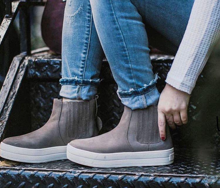 Boots, J/slides