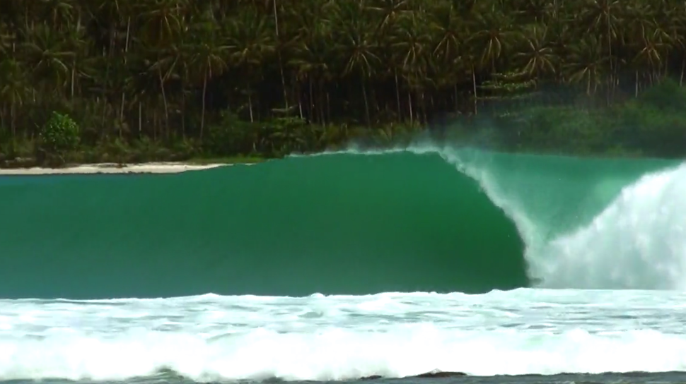 GrindTV Surf  -   What perfect barrels look like...