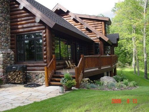 This Porch Deck Would Be Perfect For Lake Side At S L Cabin Note Roof Placement Log Cabin Exterior Cabin Exterior Log Homes