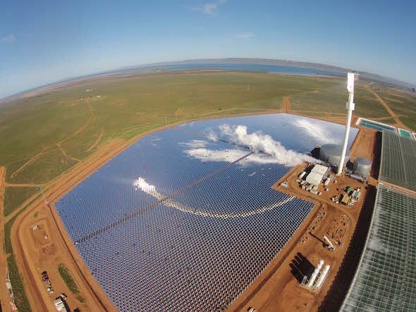World First Concentrated Solar Power Plant Growing Tomatoes