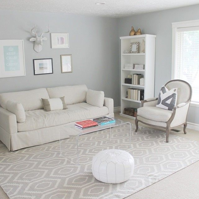Light Filled Contemporary Living Rooms: @megsdaly's Light-filled Living Room Is So Inviting With