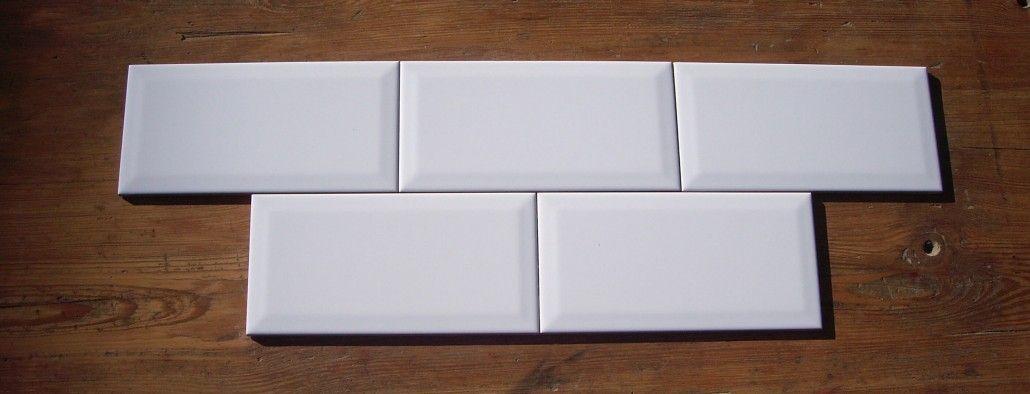 Azulejo metro 10x20 blanco brillo biselado azulejo for Azulejos cocina blanco brillo