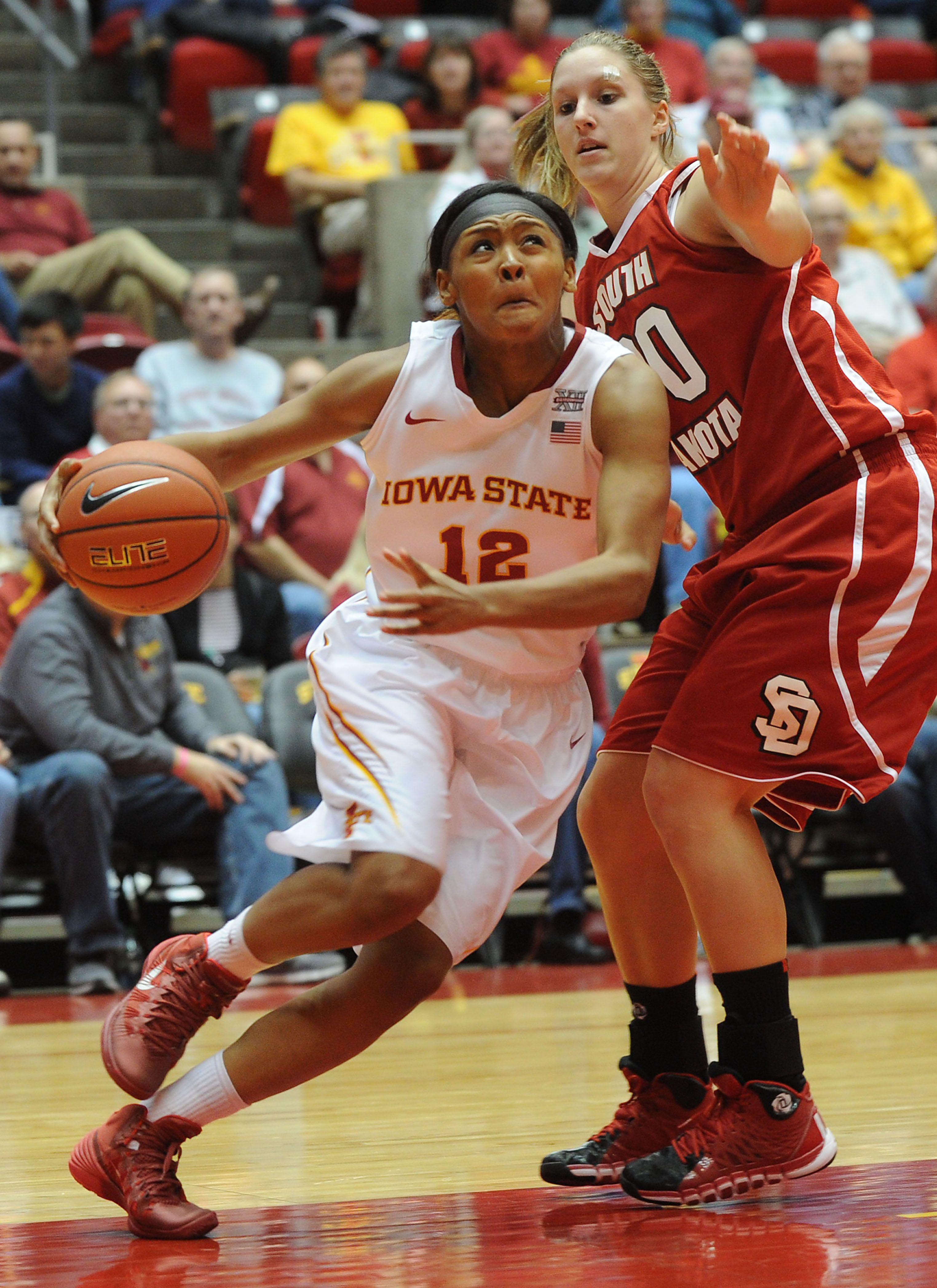 Iowa State freshman Seanna Johnson works around South