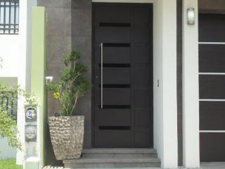 Resultado de imagen para puertas principales for Diseno de entradas principales de casas