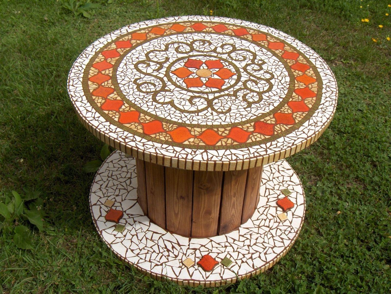 Table en Mosaïque : Meubles et rangements par hephaistos ...