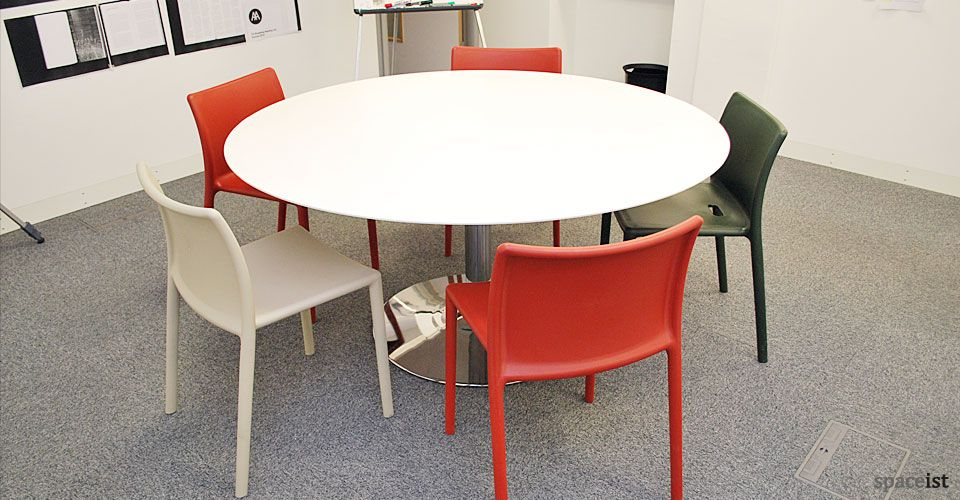 Extraordinary Large Round Canteen Tables Dining Table Ideas - Large round meeting table