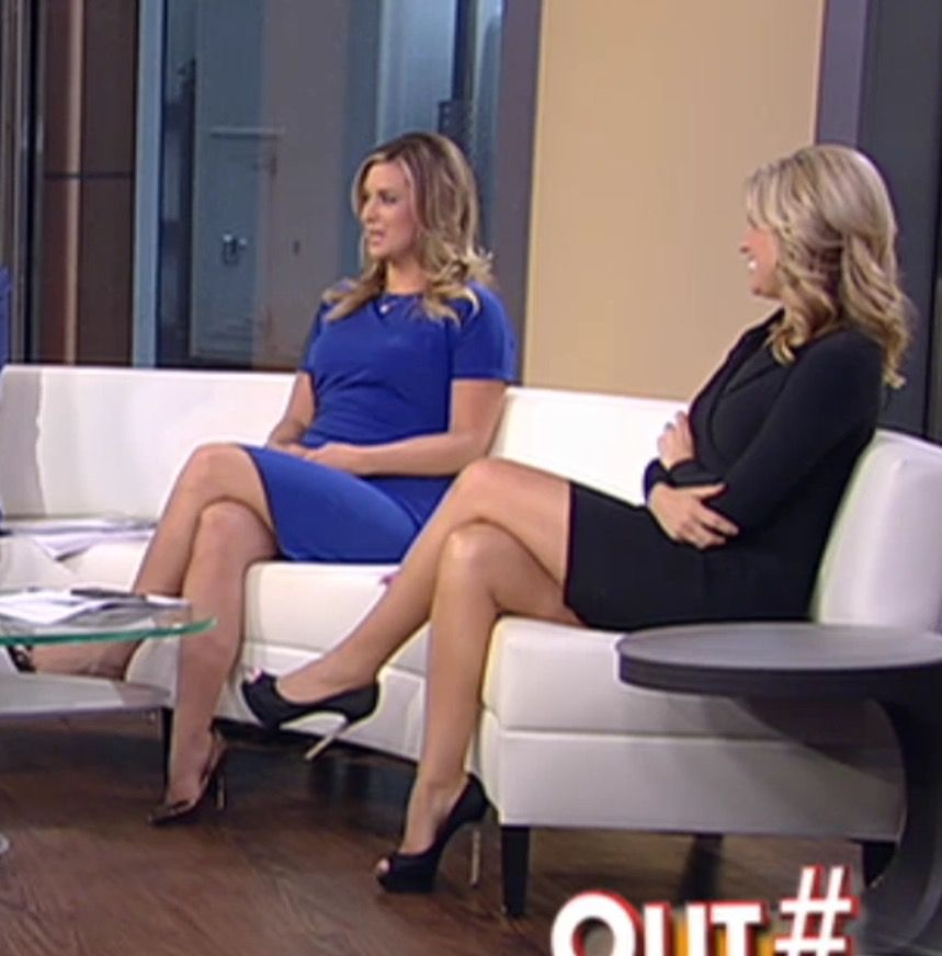 Meghan Mccain Fat: Ainsley Earhart On Outnumbered Crossed Legs Un A Little