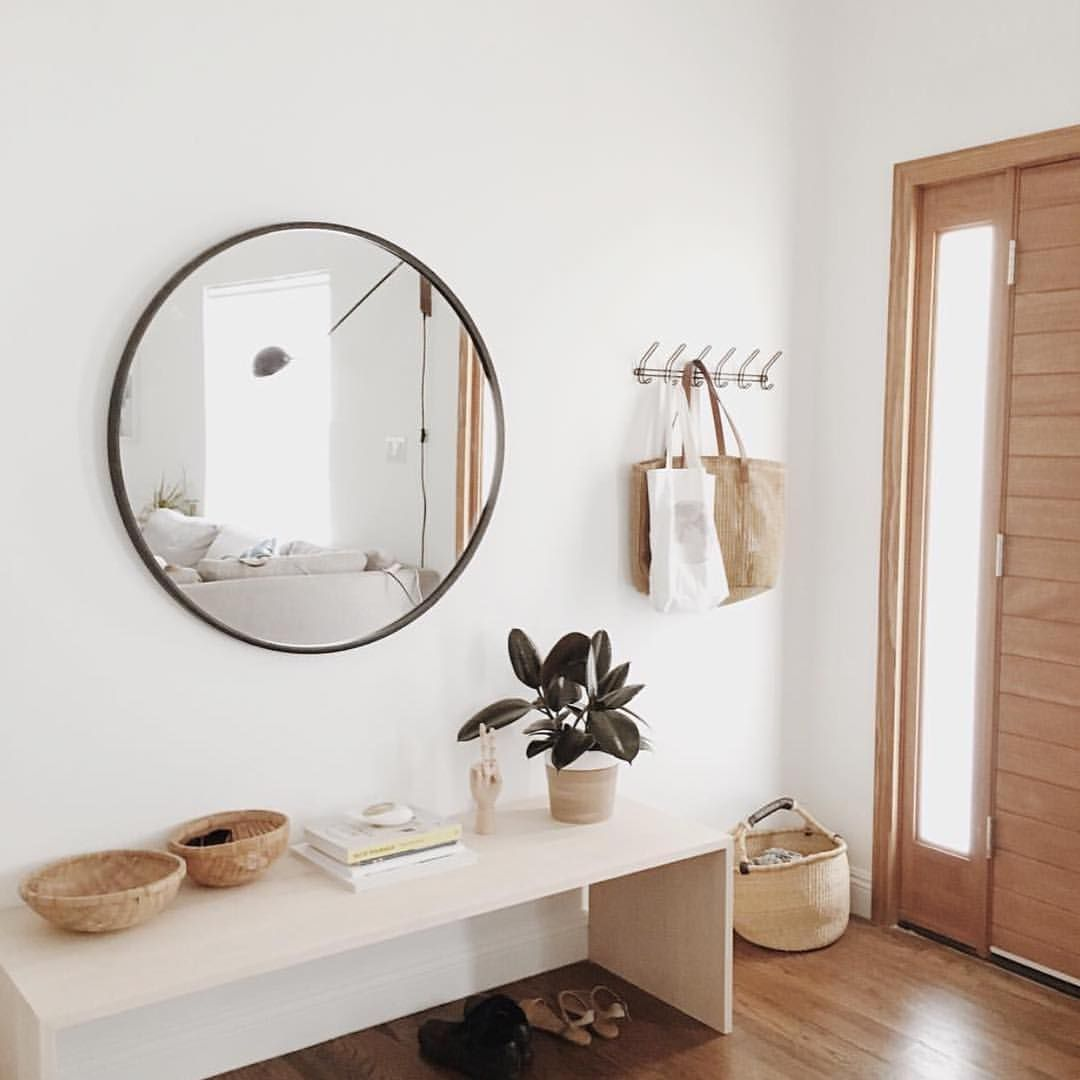 Hallway furniture with mirror  Ver esta foto do Instagram de dominomag u  curtidas  Interior