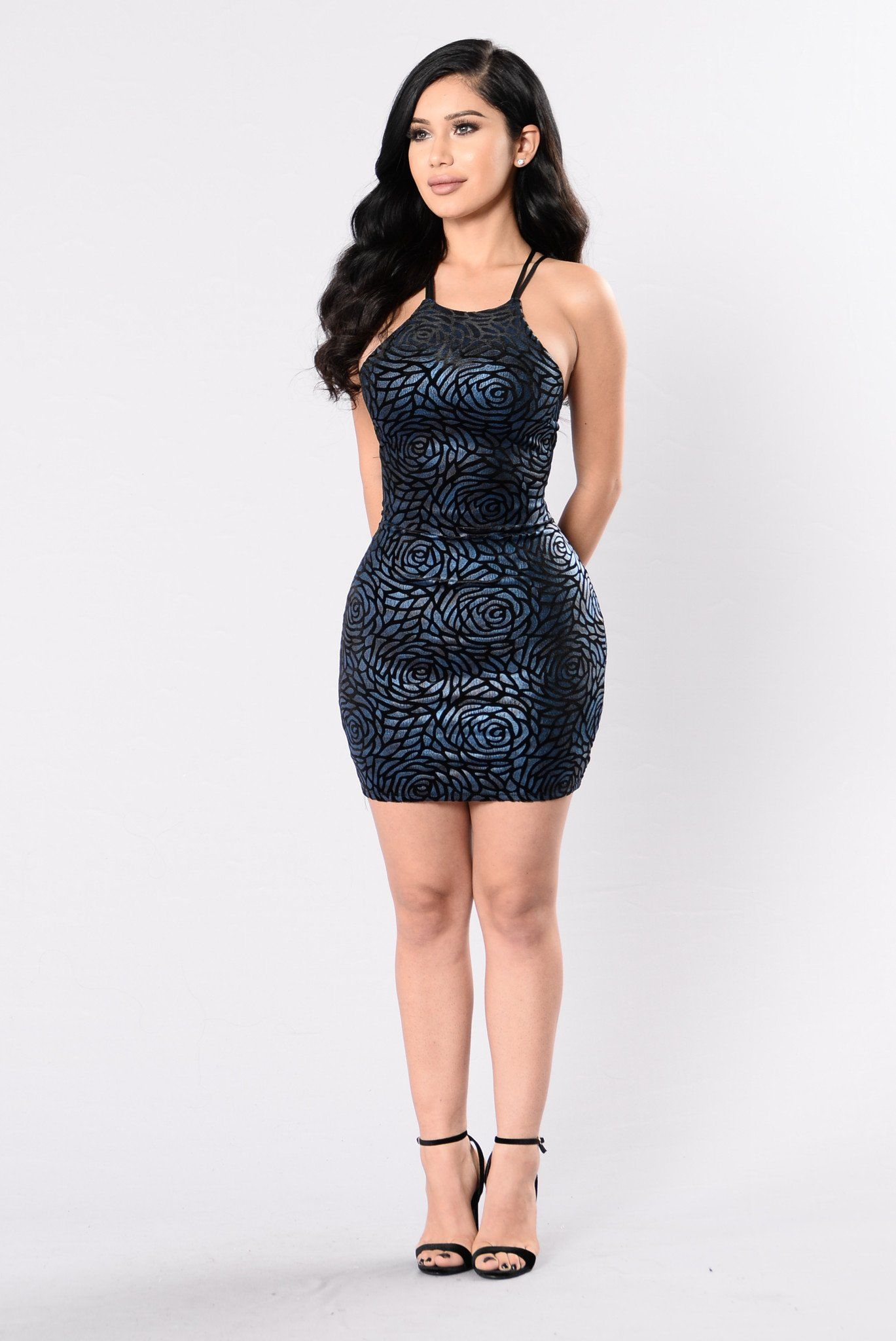 Solitaire dress midnight curvey women curves and red carpet