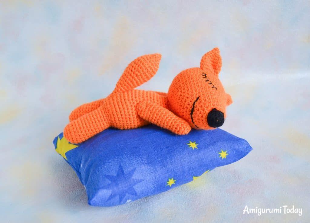 Sleeping fox amigurumi pattern | Pinterest